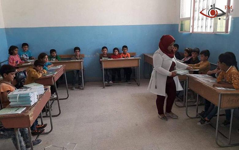 هيئة التربية تواصل توزيع الكتب المدرسية على الطلبة