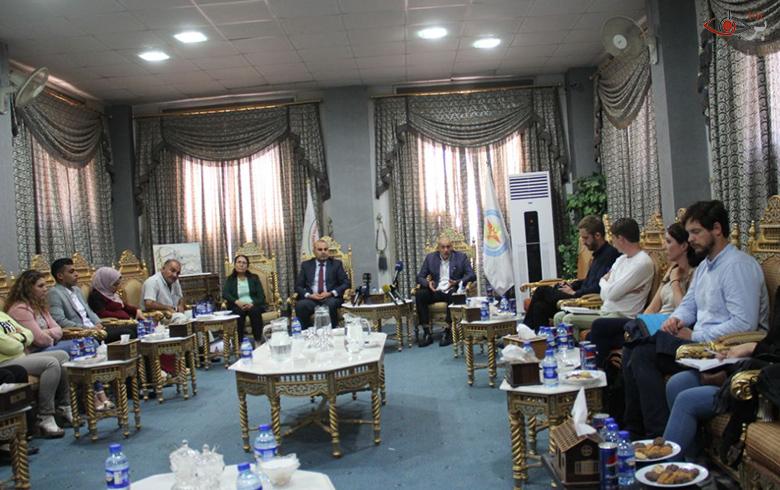 الوفد البريطاني يصل إلى كوباني لمناقشة قضايا أمن المنطقة، ويؤكدون وقوفهم إلى جانب الأهالي