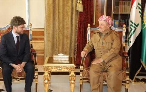 الرئيس بارزاني يطالب فرنسا بلعب دورها في منع حدوث